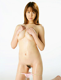 Model ai takeuchi in oiled up