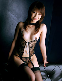 Model ayumi motomura in ready to serve