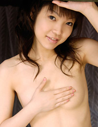 Model haruka aizawa in without my top