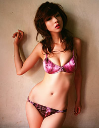 Model aki hoshino in butterfly 6