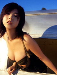 Model aki hoshino in high fidelity 1