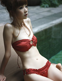 Model aki hoshino in miracle beauty 1