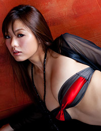 Model sayuki matsumoto in laced with velvet 2