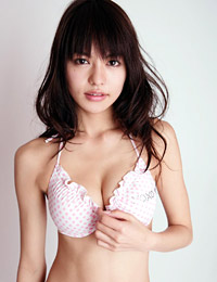 Model yuriko shiratori in so kiss me 4